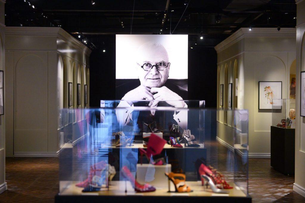 "Manolo Blahnik, Muzeul pantofilor Manolo Blahnik: ""The Art of Shoes"""