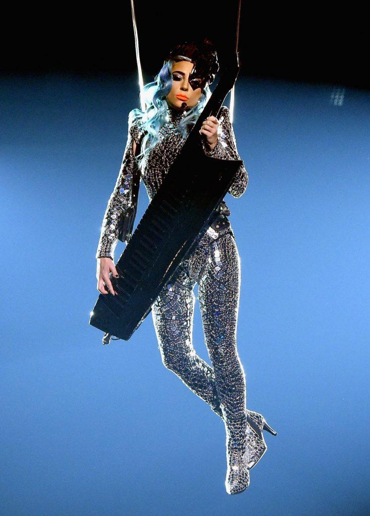 """Lady Gaga, Lady Gaga și-a început rezidența în Las Vegas cu un show incendiar – """"ENIGMA"""""""