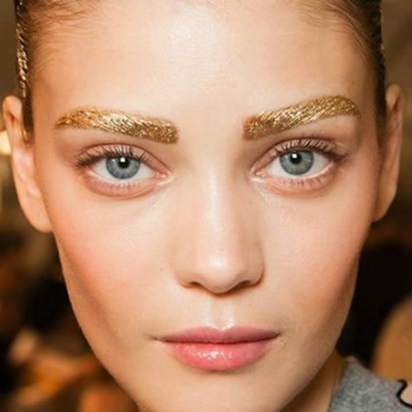 frutas Pensionista Magnético  Beauty Trends:10 dintre cele mai neobișnuite forme și modele pentru  sprâncene