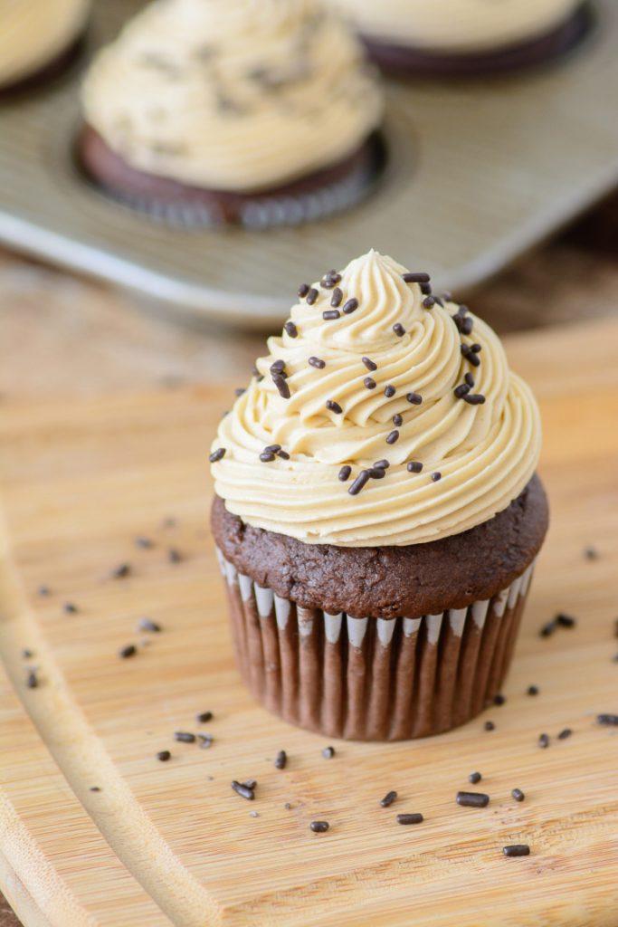 Baileys Irish Cream, Cupcakes de ciocolată cu cremă Baileys Irish Cream