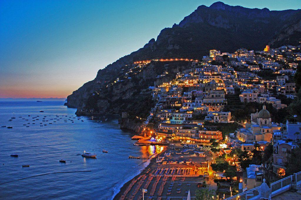 Positano, Positano, Italia – destinația uneia dintre viitoarele tale vacanțe