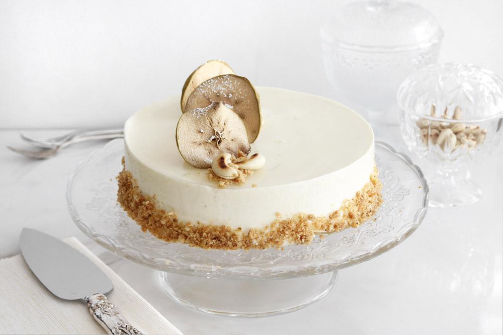Tort-cu-mousse-de-vanilie-și-mere