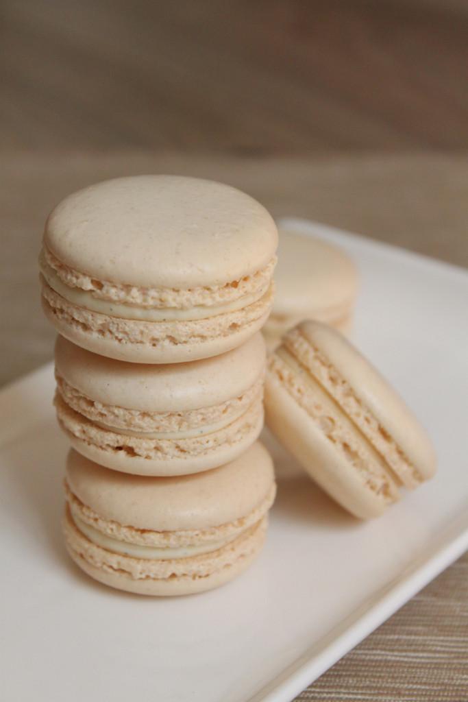 Macarons de vanilie cu ganache de ciocolată albă 1