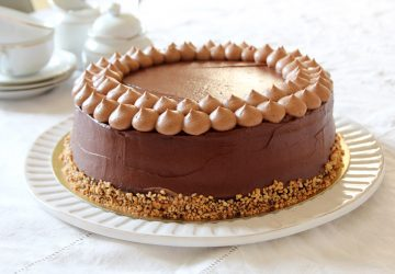 tort de ciocolata cu alune