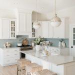 bucătărie albă